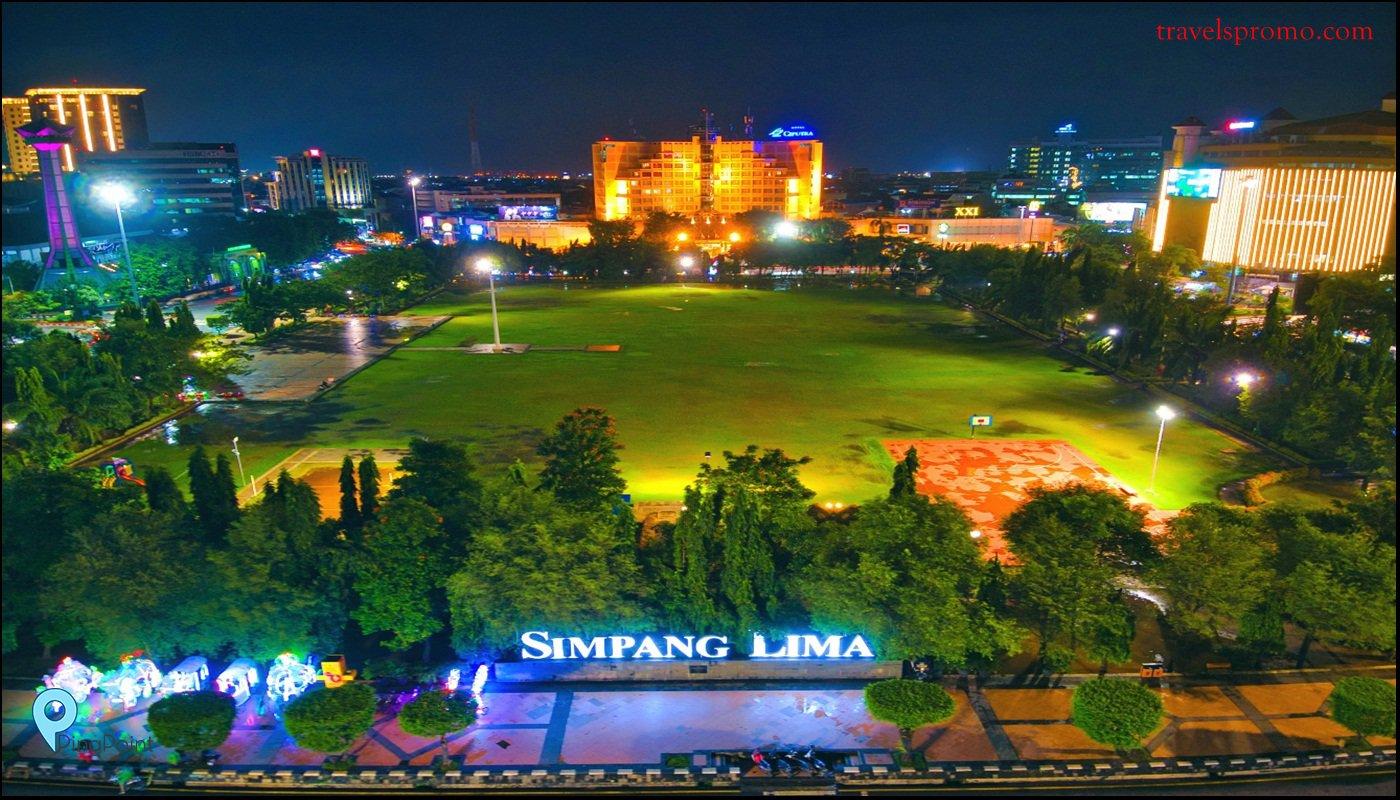 Santai Sejenak di Taman Pusat Kota Semarang