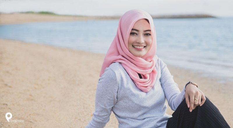 4 Gaya Hijab Nyaman Untuk Liburan Ke Pantai