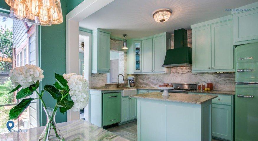 Ingin Dapur Tampak Luas Cat Kabinet Dengan Warna Hijau Mint